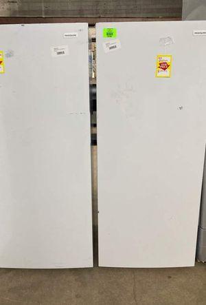 Frigidaire 13 ft.³ upright freezer K90 for Sale in San Antonio, TX