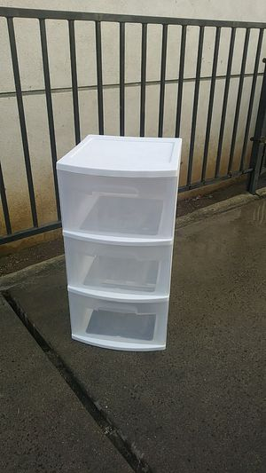 Plastic storage three drawer for Sale in Los Angeles, CA
