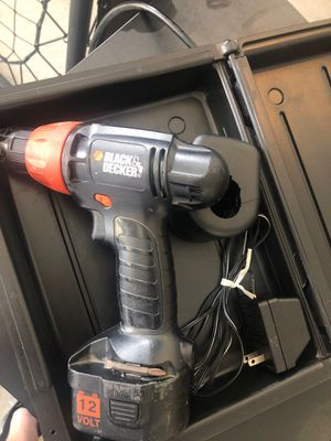 Black and decker 12v driver with charger for Sale in Toledo, OH