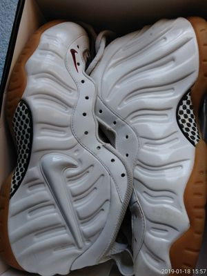 Mens Gucci Foams Size 12 for Sale in Silver Spring, MD