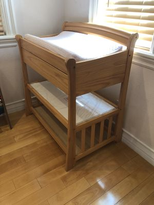 Diaper changing table with pad and pad-cover for Sale in San Gabriel, CA