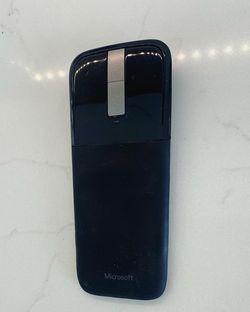 Microsoft Surface Arc Touch Mouse! - Works Great - Glossy Black Color Finish for Sale in Miami,  FL