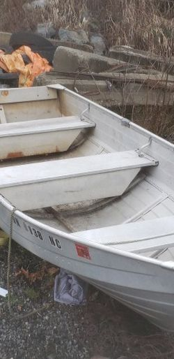 12ft Aluminum Fishing Boat for Sale in Snohomish,  WA