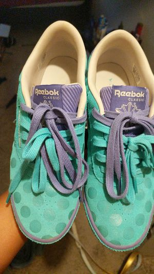 Purple and turquoise Reebok's women's size 8.5 for Sale in Baltimore, MD
