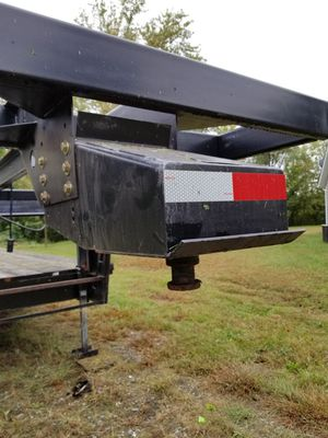 Flate bed fifthwheel trailor. for Sale in Marion, IL