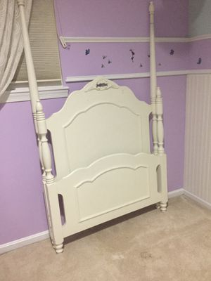 Twin size girl bed for Sale in Leesburg, VA