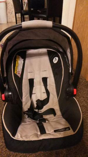 Infant car seat, Graco for Sale in Belleville, IL