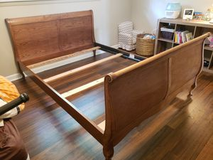Queen sized cherry sleigh bed for Sale in undefined