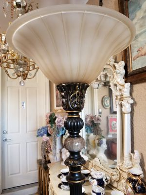 Beautiful Floor lamp for Sale in Cape Coral, FL