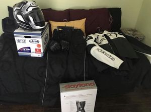 New Motorcycle Riding Gear (will well separately) for Sale in San Antonio, TX