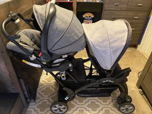 Double stroller and car seat for Sale in Los Angeles, CA