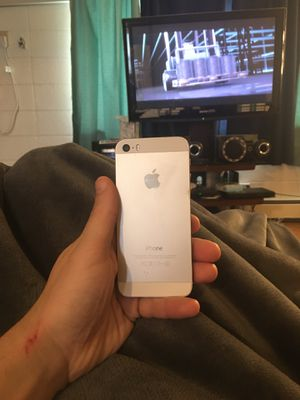 IPHONE 5S APPLE CARRIER STARIGHT TALK for Sale in Waseca, MN