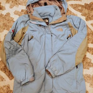 The North Face Summit Series Coat Shell M for Sale in Columbus, OH