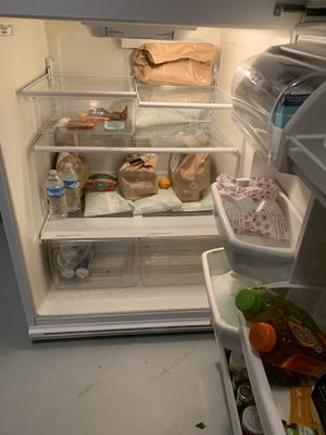 Refrigerator in good condition for Sale in McDonough, GA