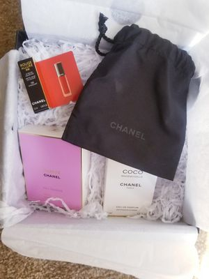 CHANEL Womens perfume set for Sale in North Las Vegas, NV