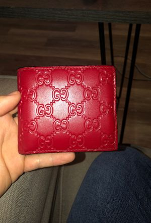 Red Gucci Wallet (7months used-great condition) for Sale in Stoneham, MA