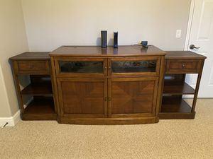 FREE ENTERTAINMENT CENTER for Sale in Riverview, FL