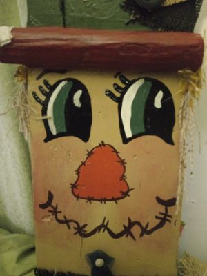 Holiday Scarecrow/Grinch reversible wooden sign for Sale in Chickamauga, GA