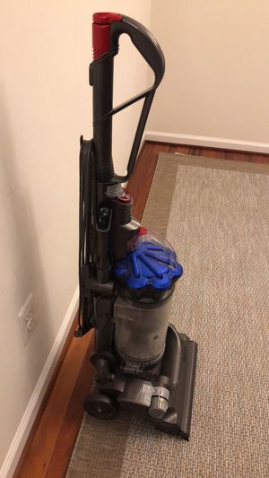 Dyson DC33 bagless vacuum for Sale in Ashburn, VA