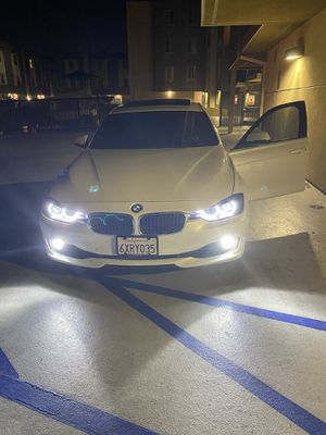 BMW Headlight Drivers Side for Sale in Los Angeles, CA