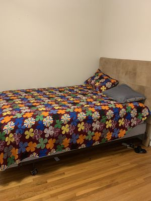 Queen Bed with bed frame and mattress for Sale in Nashville, TN