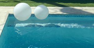 2 pool balls white for Sale in Miami, FL