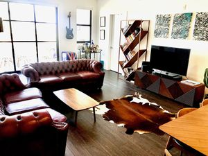 2xChesterfield leather Sofa (made in UK) for Sale in Los Angeles, CA