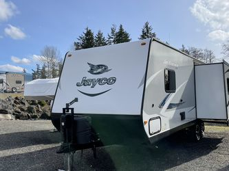 2017 24FT Jayco Jay feather travel Trailer one side for Sale in Tacoma,  WA