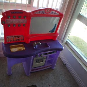 "40"" Large Kitchen For Kids for Sale in Torrance, CA"