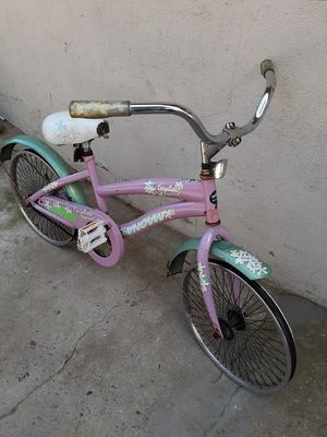 Girls 20 in Magna Carolina bike for Sale in Dinuba, CA