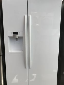 Refrigerator Side By Side Samsung Brand for Sale in Los Angeles,  CA