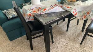 Table and chairs for Sale in Buffalo Grove, IL
