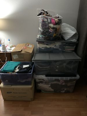 Lot of used clothes and shoes! Women's and Men's.. Ropa usada for Sale in San Diego, CA