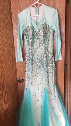 Prom dress for Sale in Bedford Park, IL