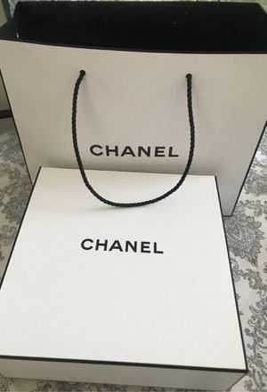 Chanel box and gift bag for Sale in Glendale, CA