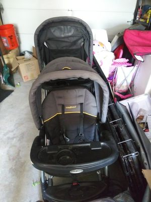 Baby Trend Double Stroller for Sale in Beachwood, NJ