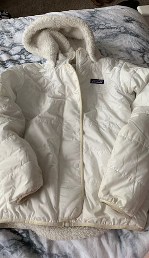 Patagonia white winter coat for Sale in Pasadena, MD