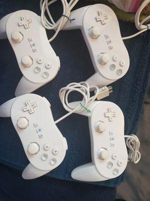 Wii U Classic Pro Controller (4 in White) for Sale in Folsom, CA
