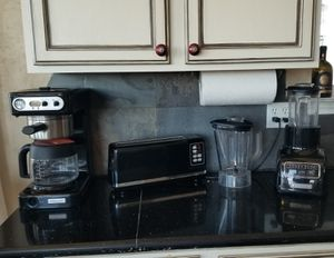 Kitchenaid Pro Line Coffee Maker, Blender, Toaster for Sale in Plano, TX