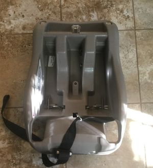 """REDUCED PRICE: """"Evenflo"""" Baby Carrier Holder Car Seat for Sale in Gahanna, OH"""