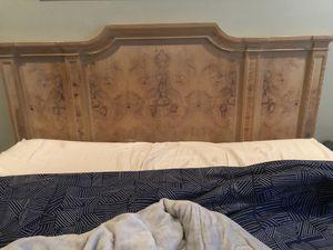 Queen bed set must go!!! for Sale in Boynton Beach, FL