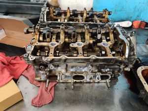 Infiniti g37 Nissan 370z cylinder head parts for Sale in Las Vegas, NV