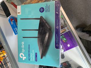 Tp-link AC1200 wireless dual band gigabit router for Sale in Seattle, WA