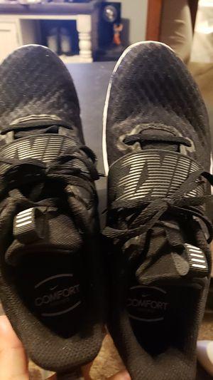 Womens 9.5 nike shoes for Sale in Wichita, KS