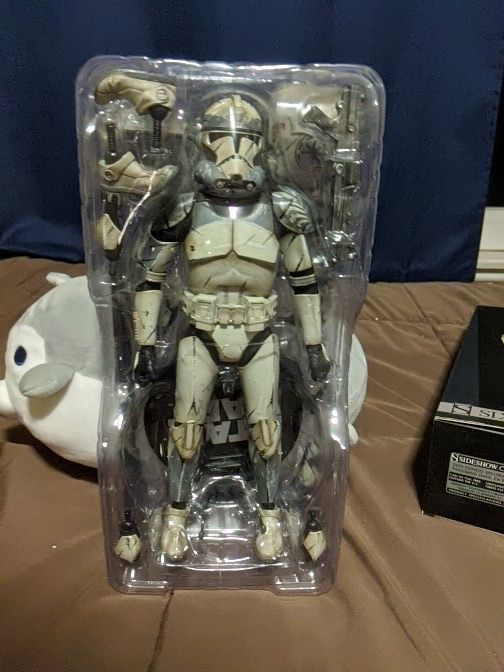 Star wars Sideshow Collectible Wolfpack clone trooper
