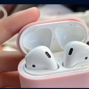 Air Pods With Charger First Generation for Sale in Miami, FL