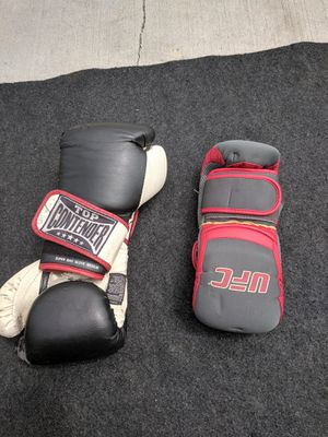 UFC Gloves in great condition for Sale in Lawndale, CA