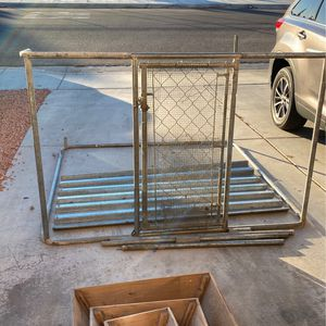 Dog Kennel. Missing Pieces . Incomplete for Sale in Hesperia, CA