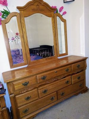 dresser&mirror for Sale in Phoenix, AZ