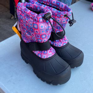 Girls Snow Boots Size 12 for Sale in Bell Gardens, CA